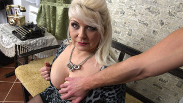 Chubby mature slut fucking in POV style at TopMature.nl