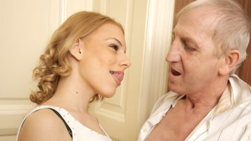 Horny old bastard doing a hot babe at TopMature.nl