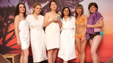 Take a peek at these lovely mature ladies at the sauna at TopMature.nl
